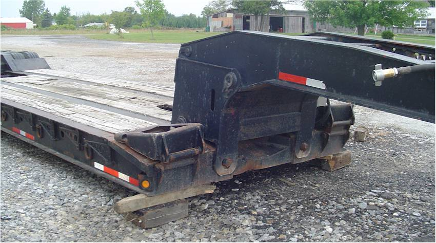 Used 2002 Eager Beaver Lowboy Trailer for Sale